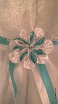 DIY - fleur satin blanc et bleu Tiffany