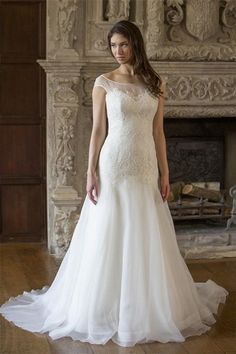 Discount 2015 Vintage Illusion Bateau Neckline Lace Sheer Slim Wedding Dresses Covered Button Ivory Organza Bridal Gowns with Chapel Train Online with $118.96/Piece on Flodo's Store | DHgate.com