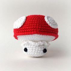 Free crochet mushroom amigurumi pattern