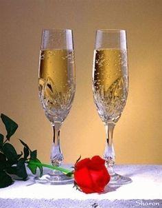 Mindig a fény felé,Szülinapodra azt kivánom,Szaladnak az évek,Harminchatodik február...,Boldog… Wine Glass Images, Hearts And Roses, Name Day, Champagne, Happy Birthday, Tableware, Instrumental, Beautiful Life, Type 3