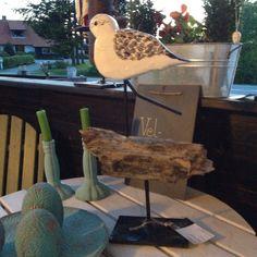 Strandløber på sten, direkte salg fra eget værksted, se mere på https://www.facebook.com/groups/art.visten/?fref=ts# Lønstrup, Løkken, Tornby, strand, Hirtshals, kunsthåndværk, galleri, træ skulptur, Art Visten,