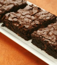 You'd never guess these gooey brownies have vegetables in them!!! Low-Fat Zucchini Brownies Recipe | via @SparkPeople #food #dessert #chocolate #healthy