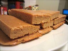 Protein bars: 2 scoops vanilla protein powder, 8 T 1 t pumpkin pie spic… Pb2 Recipes, Protein Powder Recipes, High Protein Recipes, Protein Snacks, Snack Recipes, Protein Cake, Protein Cookies, Whey Protein, Protein Brownies