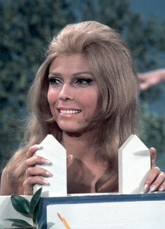 On the anniversary of Frank Sinatra's birth we take a look back at his daughter Nancy Sinatra. Beautiful Ladies, Beautiful Eyes, Triumph T100, Mod Hair, Nancy Sinatra, 60s Music, Hollywood Star, Female Celebrities, Vintage Beauty