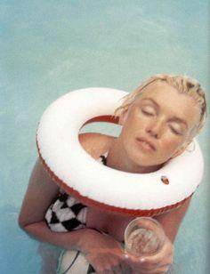 Milton Greene - Marilyn Monroe - 1955 - having fun in the pool while in Connecticut