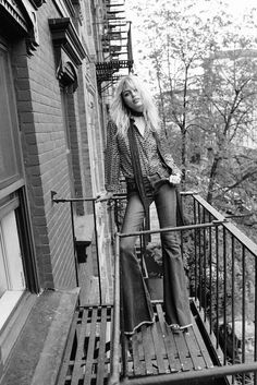 Staz Lindes & Free People Show You How To Pull Off '70s Style | 7 photos | NYLON