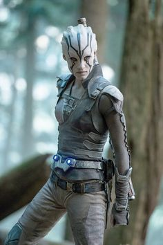 """Cosplay Sofia Boutella plays Jaylah in """"Star Trek Beyond."""" (Kimberley French, Paramount Pictures) - By John Anderson Star Trek 2009, Star Trek Tos, Star Trek Characters, Star Trek Movies, Female Characters, Sofia Boutella, Star Trek Beyond Jaylah, Feminist Halloween Costumes, Akira"""
