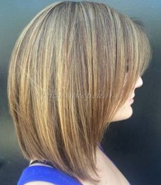 félhosszú+frizurák+egyenes+hajból+-+félhosszú+frizura