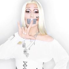 PHOTOS: The 50 Most Powerful Celebrities To Pose For NOH8 / Queerty