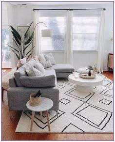 10 inspirational modern living room decor ideas for apartment you will like it 5 Minimalist Living Room Apartment Decor Ideas Inspirational Living modern Room Big Living Rooms, Living Room Decor Cozy, Living Room Grey, Living Room Modern, Rugs In Living Room, Living Room Designs, Decor Room, Room Decorations, Bedroom Decor