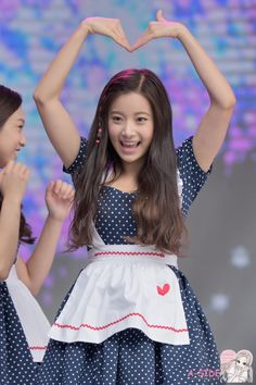 April Kpop, Culture Industry, Lee Hyun, Fandom, Drama Queens, Korean Celebrities, Cheer Skirts, The Unit, Actors