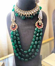 Emerald Jewelry, Gold Jewelry, Fashion Jewellery, Wedding Decorations, Beaded Necklace, Beads, Beautiful, Beaded Collar, Beading