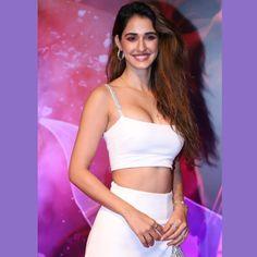 Disha Patani new hot and sexy look. Bollywood Actress Hot Photos, Indian Actress Hot Pics, Beautiful Indian Actress, Beautiful Actresses, Disha Patani Photoshoot, Photoshoot Pics, Indore, Malang, Hot Actresses