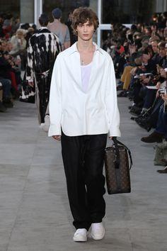 Louis Vuitton – Fashion Week Homme Paris A-H 2017-2018 http://sumo.ly/uNNT