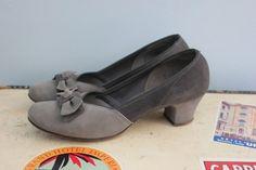 40s twotone gray suede kitten heels by LivedIn