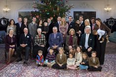 This is how it looked the last time the Danish royal family celebrated Christmas with the Queen's sisters' families  in 2006.
