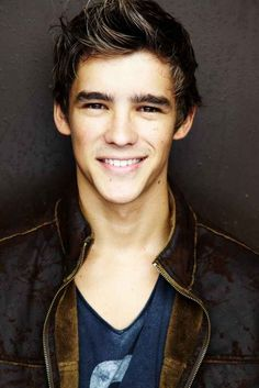 Reasons I loved The Giver: Brenton Thwaites, Brenton Thwaites, and Brenton…