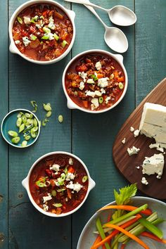 Buffalo Chicken Chili #healthyfamilydinners #comfortfood #chili #slowcooker