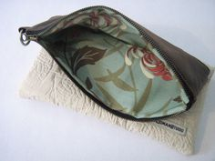 Ok, granted, this is not a feed sack bag by any stretch of the imagination.  But I love the fabrics used, and the design.