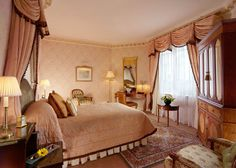 The Dorchester London! Putting On The Ritz, Safe Harbor, Victoria, Travel, Furniture, Home Decor, Wings, Viajes