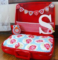 hopscotch lane: Sophie's Got a Brand New Bed