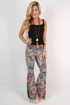 https://cdn.shopify.com/s/files/1/0152/4007/products/20150501132506000-2015080414484800-41lola-lovely-crochet-trim-bell-bottom-pants-in-peach_1024x1024.jpeg?v=1438717735