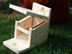 diy bauanleitung f r einen eichh rnchen futterkasten diy pinterest eichh rnchen futter. Black Bedroom Furniture Sets. Home Design Ideas