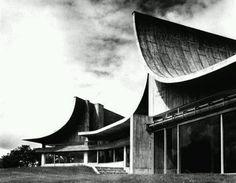 Bordeaux Lepecq - signature Claude Parent: Une Maison Atelier hors du temps et de l'espace, à quelques encablures de Paris...