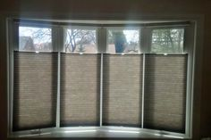 How To Determine The Right Window Coverings for Your House Bow Window Curtains, Bay Window Decor, Bay Window Living Room, Interior Window Shutters, Interior Windows, Bow Window Treatments, Window Treatments Living Room, Window Coverings, Honeycomb Blinds