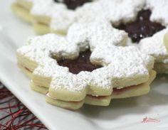 Canada Day Maple Leaf Cookies Recipe - Ottawa Mommy Club - Moms and Kids Online Magazine : Ottawa Mommy Club – Moms and Kids Online Magazine