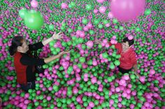 Worlds largest ball pit in China