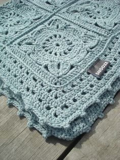 Transcendent Crochet Solid Granny Square Ideas That You Would Love Ideas : Crochet Granny Squares Blanket This super soft blanket is made with 16 granny squares in a beautiful mint green wool cotton blend. Handmade by SNOOZE – Granny Square Crochet Pattern, Crochet Blocks, Crochet Squares, Crochet Granny, Baby Blanket Crochet, Crochet Stitches, Crochet Baby, Knit Crochet, Crochet Patterns