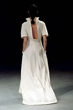 Yohji Yamamoto - Ready-to-Wear - Runway Collection - Women Spring / Summer 2000