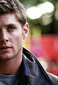 Dean Winchester Hot, Jensen Ackles Supernatural, Supernatural Dean, Winchester Brothers, Destiel, Shawn Mendes, Sam Dean, Poses For Men, Book Tv