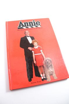 "1982 ""Annie: The Storybook Based on the Movie"" hardcover book - Little Orphan Annie, 1980s movies"