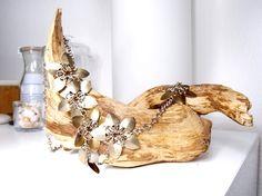 """Halskette """"Flowers of Champagne""""   von Chain-Elle Art's - wunderschöner Chainmaille Schmuck. Finde zu Deiner Geschichte Dein passendes Schmuckstück. Einzigartig."""