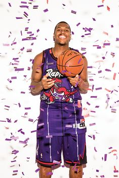 Kyle Lowry took a break during the Raptors' current winning streak to grace the cover of Sportsnet mag's Awards Issue. Toronto Raptors, Basketball Legends, Basketball Players, 2013 Nba Finals, Rap City, Kyle Lowry, Sports Wallpapers, Nba Players, Raptors Wallpaper