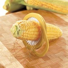 Even the clingiest strand is no match for this Corn Silk Remover.  Just run this clever brush up and down the cob and those annoying strands of corn silk are captured and removed. Won't hurt the kernels.