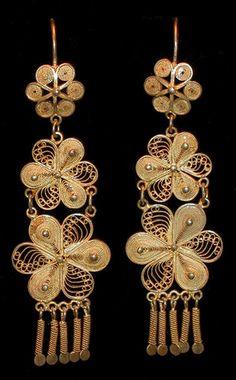 Arrecadas em filigrana de ouro portugal Cool Jewelry Pinterest