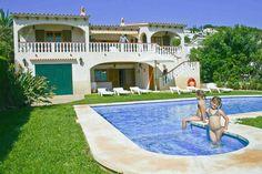 Villa de Vacaciones en Alaior, Islas Baleares, España. 4 Habitaciones + 3 Baños + Plazas >  http://ow.ly/lQ5TV #AlwaysOnVacation