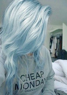 Looking for a surprising new hair color that's fit for any season? From blue pastel hair to cool shades of aqua, you'll love these light blue hair color ideas. Hair Color Blue, Pastel Blue Hair, Silver Blue Hair, Light Blue Ombre Hair, Pastel Colors, Pastel Grey, Short Pastel Hair, Unique Hair Color, Fun Hair Color