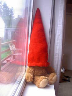 Gnome was here...post pics of gnome hat around library