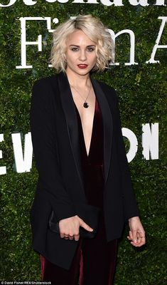 Daring: War and Peace star Tuppence Middleton looked every inch the A-lister as she led the glamour at the Evening Standard British Film Awards in London on Sunday night Riley Blue, Hair Icon, Hair Brained, Film Awards, British Actors, Celebs, Celebrities, Beautiful Actresses, Pretty Woman