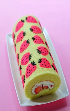 Kawaii strawberry and pink cake from Japan! #rollcake