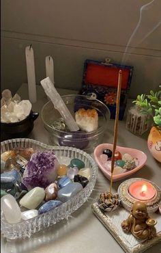 Crystals And Gemstones, Stones And Crystals, Crystal Aesthetic, Indie Room, Room Goals, Room Ideas Bedroom, Decor Room, Home Decor, Aesthetic Room Decor