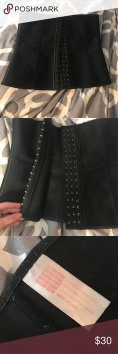 Black waist trainer size medium/38 Worn maybe twice, purchased on posh! Size medium/38 Accessories