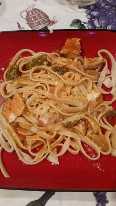 Here is a copycat recipe that I received via email. Cajun Pasta Sauce, Cajun Chicken Pasta, Chicken Pasta Recipes, Pasta Food, Ham And Cabbage Soup, Bruschetta Chicken Pasta, Yummy Eats, Copycat Recipes, How To Cook Pasta