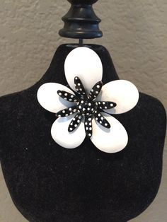 1950's Floral Brooch Pin   White Daisy with by KMSCollectibles