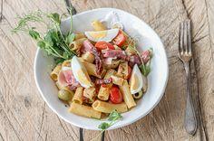 Serrano-kinkku-pastasalaatti