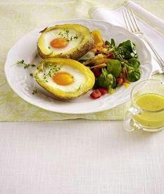 Das Rezept für Gefüllte Kartoffeln mit Ei und Feldsalat
